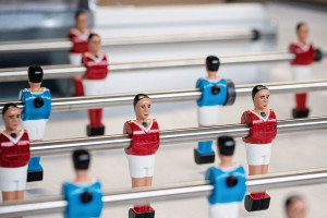 Stellung der Tischfussball Figuren ist entscheidend
