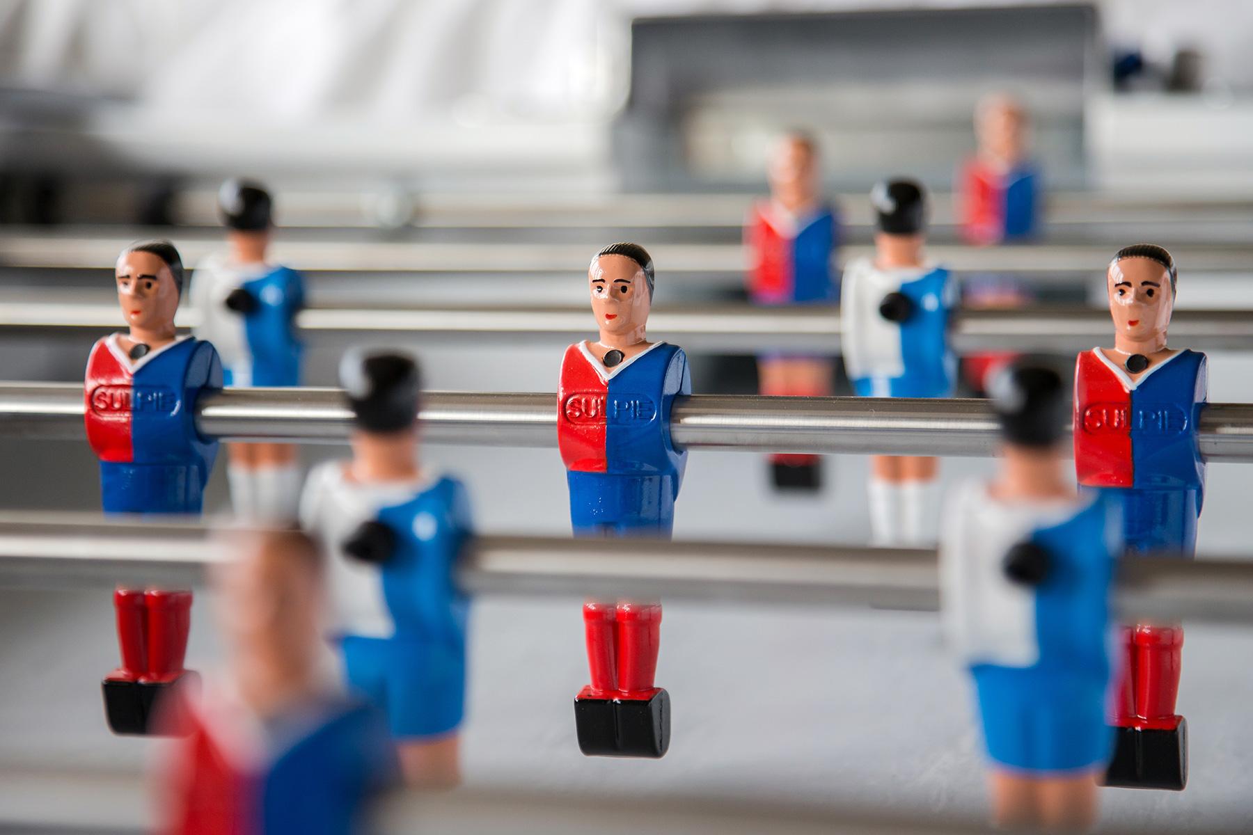 Spielfiguren in den Orginalfarben FC Zürich gegen FC Basel
